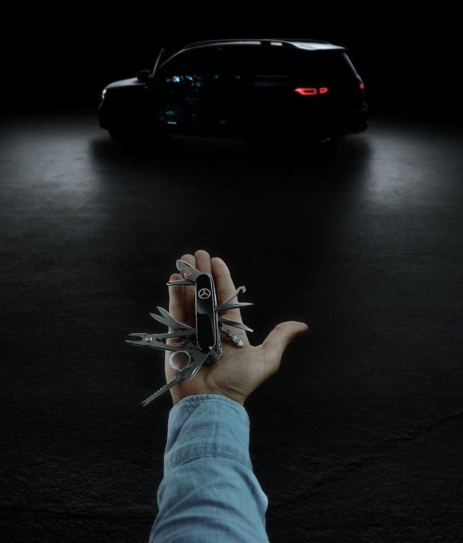 Mercedes-Benz GLB krossoverinin seriya variantının tizerini dərc edib - FOTO
