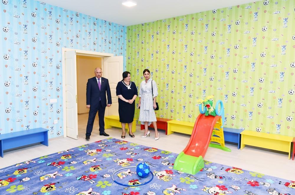 Birinci vitse-prezident Mehriban Əliyeva Yasamal rayonundakı 11 saylı körpələr evi-uşaq bağçasının yeni binasının açılışında iştirak edib - FOTO