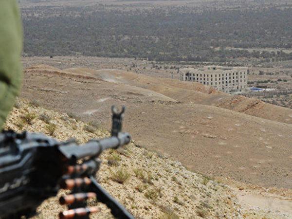 Silahlılar Suriyanın iki vilayətini atəşə tutub