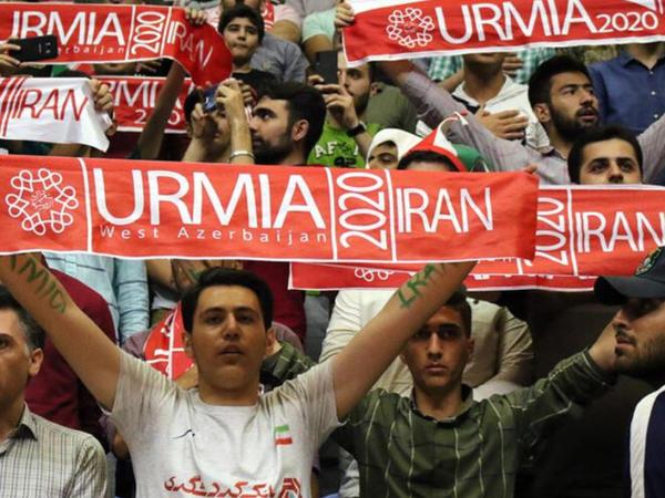 Urmiyə voleybol liqasına türkcə şüarlarla öz möhrünü vurdu