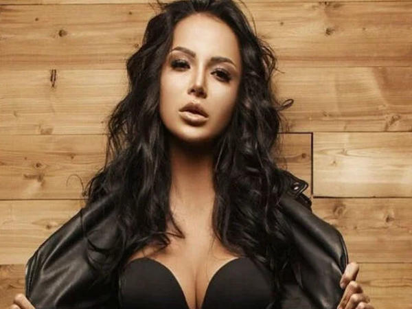 """""""Miss Azərbaycan-2019""""dan erotik rəqs - VİDEO"""