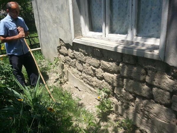 Qaxda ilanlar bir ailəni evindən didərgin salıb - FOTO