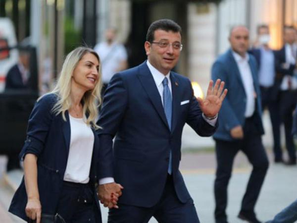 Əkrəm İmamoğlu ilə xanımının tanışlıq hekayəsi - FOTO