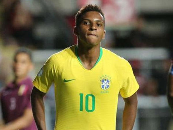 """""""Real"""" braziliyalı hücumçu aldı"""