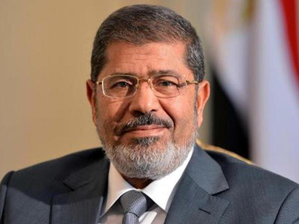 """Misirin sabiq prezidenti Məhəmməd Mursi <span class=""""color_red"""">məhkəmədə vəfat edib</span>"""