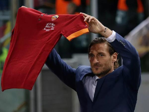 """Totti """"Roma""""nı tərk etdi"""