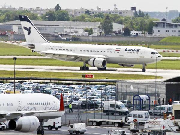 İranda yeni aeroport terminalının açılışı olub