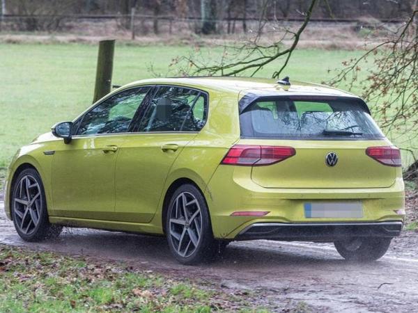 Volkswagen şirkəti yeni Golf modelinin satış tarixini açıqlayıb