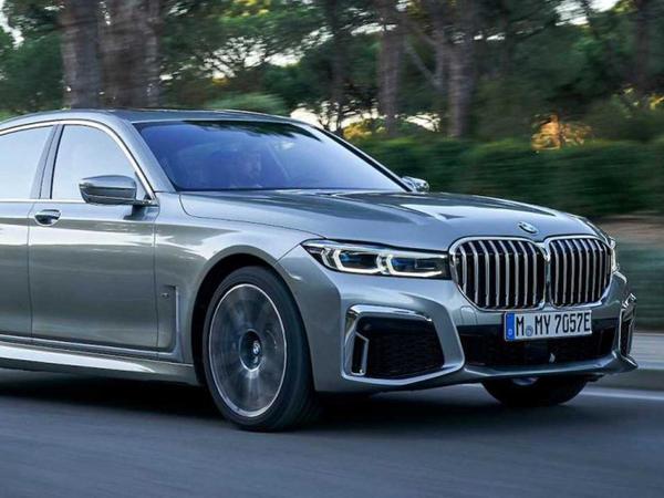 BMW şirkəti rəsmi olaraq V12 mühərrikindən imtina edib - FOTO