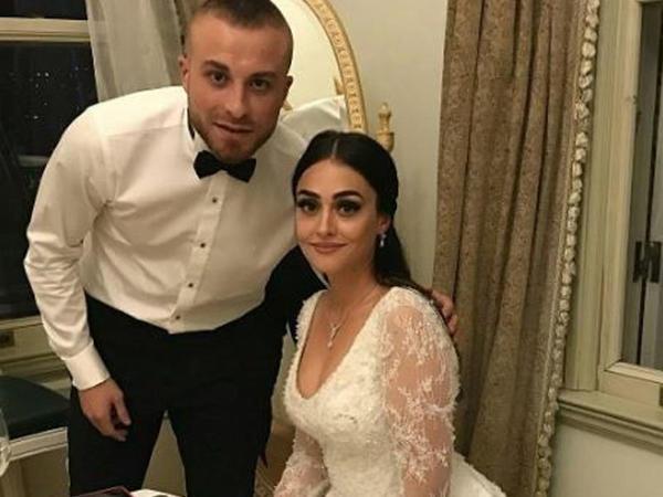 Türkiyəli futbolçunun iki illik evliliyi xəyanətə görə dağıldı