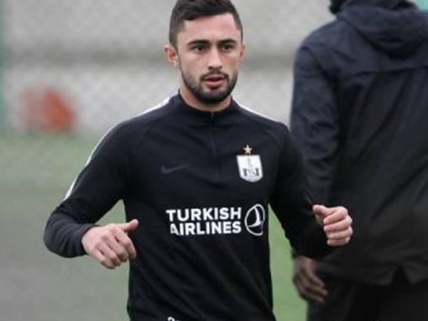 """Mirabdulla """"Neftçi""""ni məhkəməyə verir"""