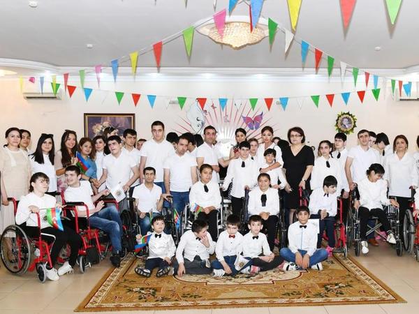 Birinci vitse-prezident Mehriban Əliyeva 2 saylı sağlamlıq imkanları məhdud uşaqlar üçün sosial xidmət müəssisəsində olub - FOTO