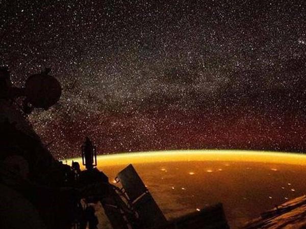 Ufoloqlardan həyəcan təbili - Nibiru planeti hücuma keçir