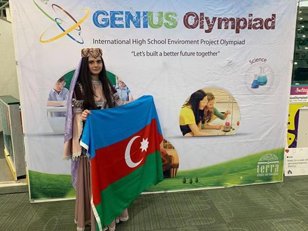 """15 yaşlı azərbaycanlı qız ABŞ-da 1-ci oldu, <span class=""""color_red"""">qızıl medal qazandı - FOTOlar</span>"""