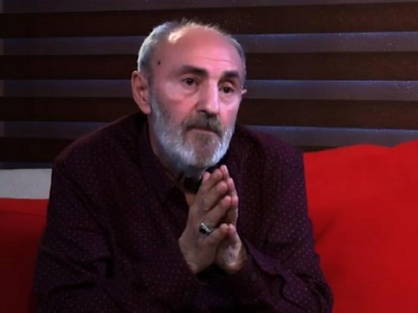 """""""Qadın müğənnilərimiz """"kim tez və çox soyundu"""" deyə, məqsəd qoyublar"""""""