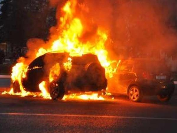 """Qəzada yanan avtomobildən narkotik aşkarlandı, <span class=""""color_red"""">2 nəfər öldü</span>"""