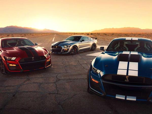 Fordun yeni dizaynlı avtomobili: Mustang Shelby GT500