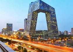 Əməkdar artist Çində konsert verib