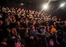 Kinoteatrda qorxu filminə baxan kişi qorxudan öldü - FOTO