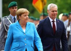 Merkeli üçüncü dəfə titrəmə tutdu