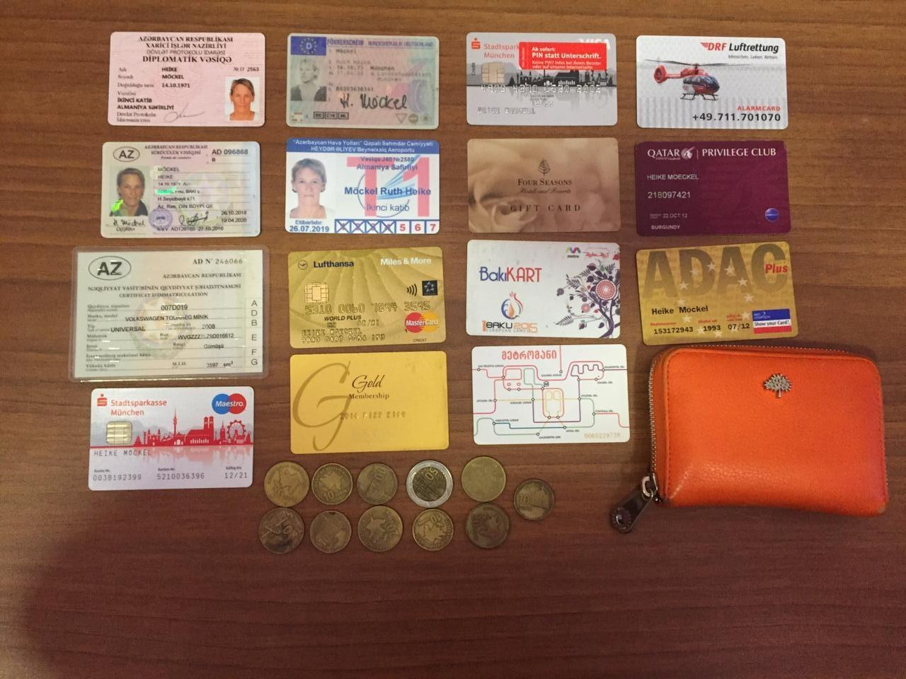 Bakıda polis Almaniya vətəndaşının itmiş əşyalarını tapdı - FOTO