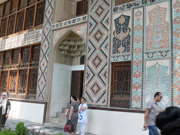 """Xan Sarayını nə qədər turist ziyarət edib - <span class=""""color_red""""> STATİSTİKA</span>"""