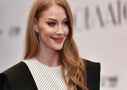 """36 yaşlı aktrisa jurnal üçün soyundu - <span class=""""color_red""""> FOTO</span>"""