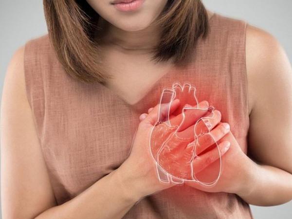 Kürəyin arxasından tutan ağrıların 7 səbəbi - Ürəkdir, yoxsa?..