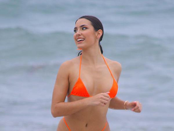 Fransız model Mayamidə dincəlir - FOTO