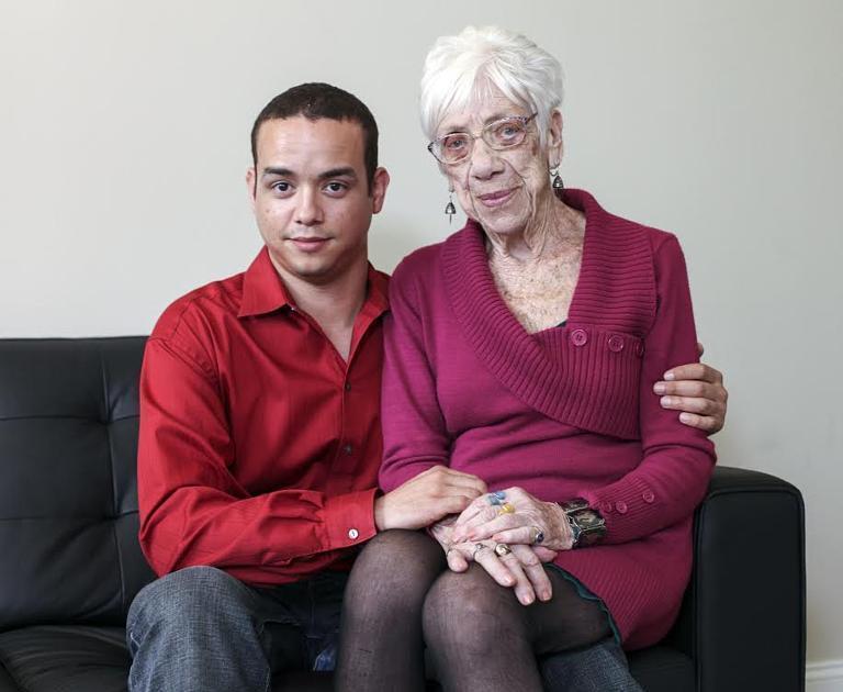 Dünya bu sevgidən danışır: 31 yaşlı oğlan, 91 yaşlı qadın - FOTO