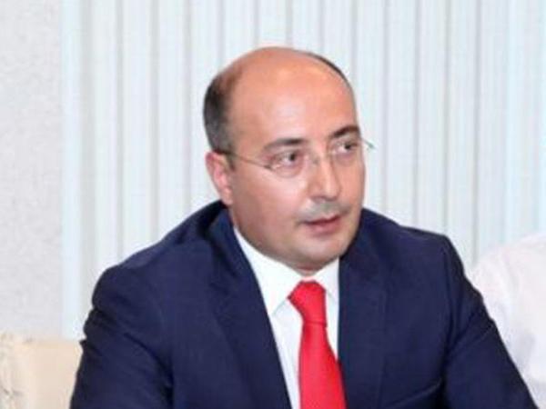 """PA rəsmisi: """"Azərbaycan mətbuatında müəyyən neqativ hallar var, amma sayı azdır"""""""
