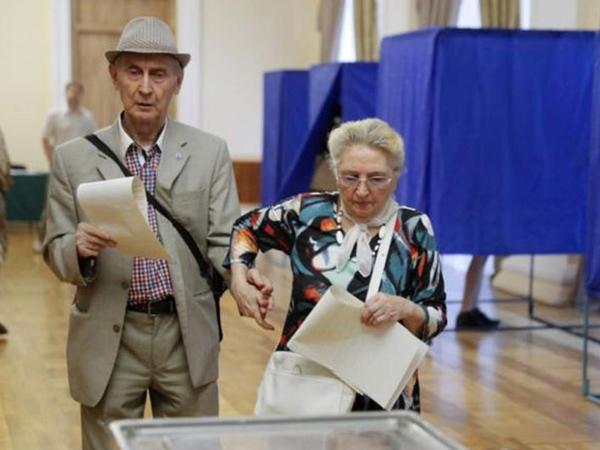 Ukraynada parlament seçkiləri keçirilir