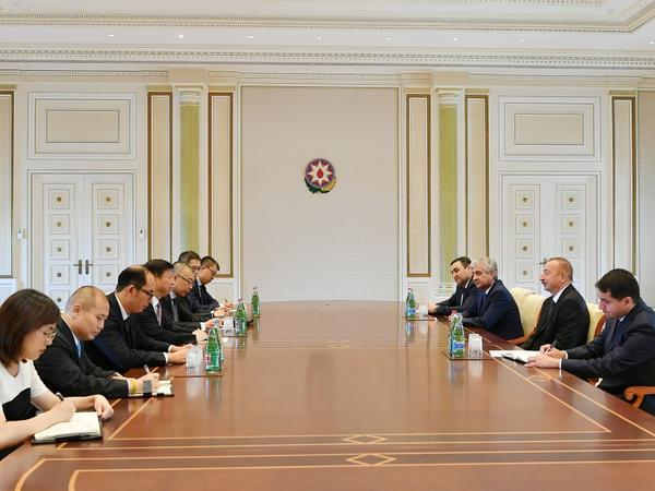 Prezident İlham Əliyev Çin Kommunist Partiyası Mərkəzi Komitəsinin nümayəndə heyətini qəbul edib - FOTO