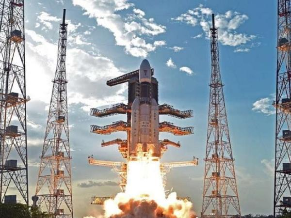Hindistan Aya kosmik missiya göndərib