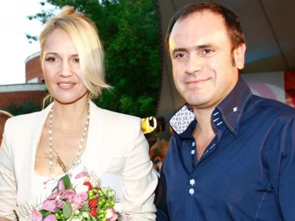 Tanınmış aparıcı biznesmen ərindən boşandı - FOTO