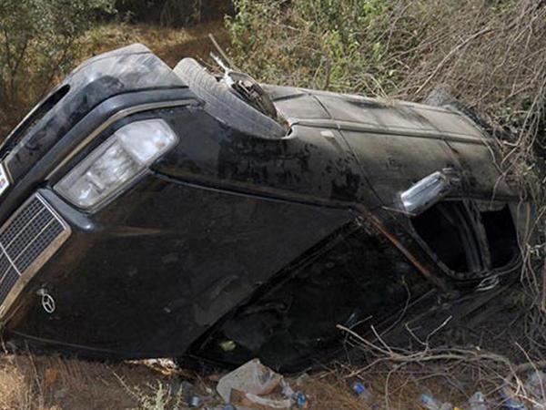 """Ağsu sakini """"Mercedes""""i aşırdı: <span class=""""color_red"""">sərnişini öldü, özü xəstəxanada</span>"""