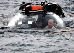 Putin körfəzin dibinə endi - FOTO