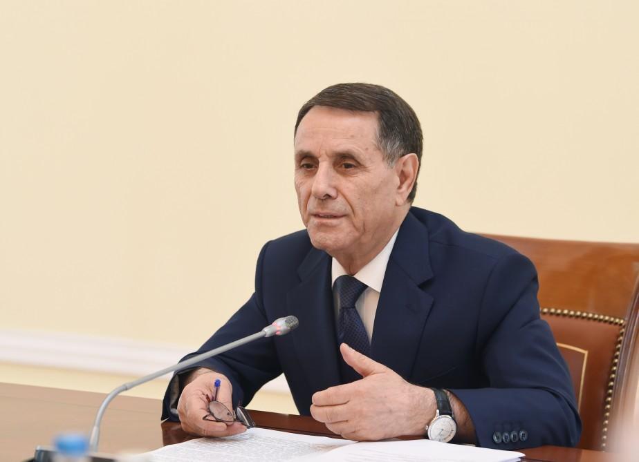 Fransa Prezidenti Novruz Məmmədovu mükafatlandırdı