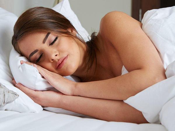Belə yatmayın, sağlamlığınız üçün TƏHLÜKƏLİDİR!