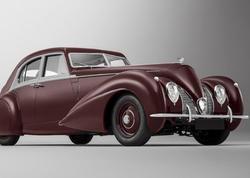 Bentley itmiş Corniche prototipini bərpa edib - FOTO