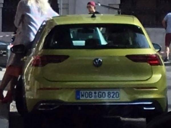 Yeni nəsil VW Golf modelinin kamuflyajsız şəkilləri peyda olub - FOTO