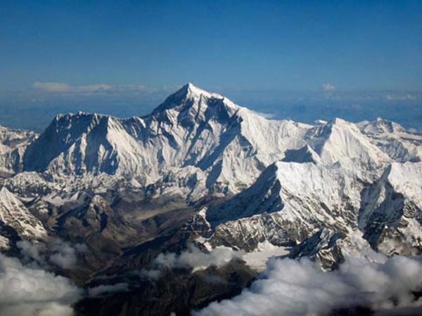 Nepal Everesti fəth etmək üçün tələbləri sərtləşdirir