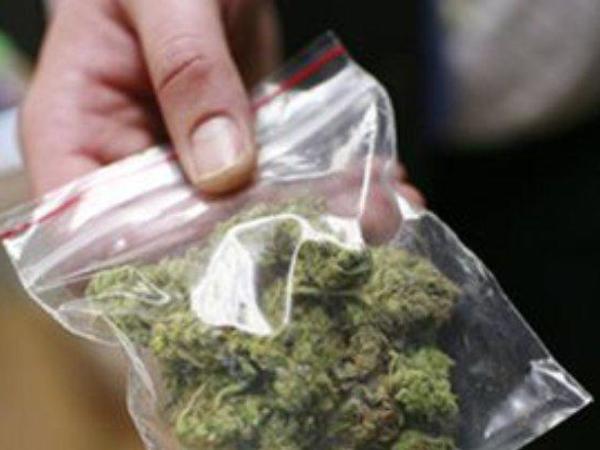Narkotik satışı ilə məşğul olan şəxs saxlanıldı