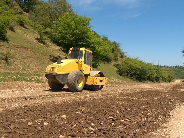 46 km-lik avtomobil yolu yenidən qurulur - FOTO