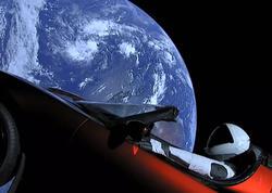 """""""Tesla Roadster"""" Günəş ətrafında ilk dövrəni başa vurdu"""