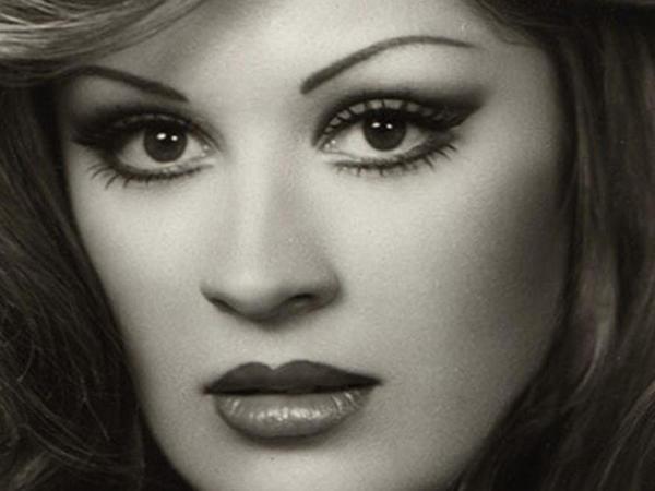 """&quot;Yeşilçam&quot;ın məşhur aktrisası dayəliklə məşğul olur - <span class=""""color_red"""">FOTO</span>"""