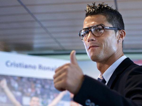 """&quot;Böyüdükcə başa düşdüm ki, əsl həyat futbolda deyil&quot; - <span class=""""color_red"""">Ronaldodan maraqlı müsahibə</span>"""