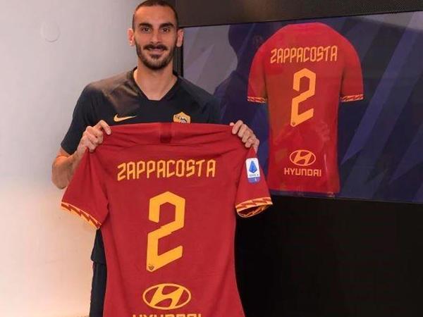 """""""Çelsi""""nin futbolçusu rəsmən """"Roma""""da"""