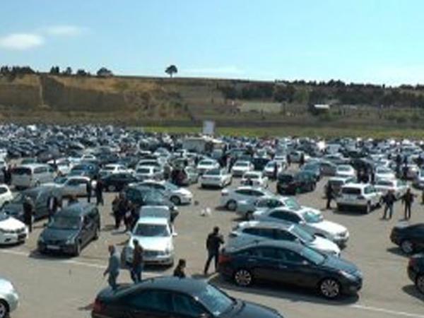Avtomobil bazarında qiymətləri kim qaldırır?