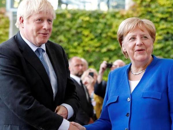 Merkel və Conson Rusiyanın G8-ə qayıtmasına qarşı çıxdı